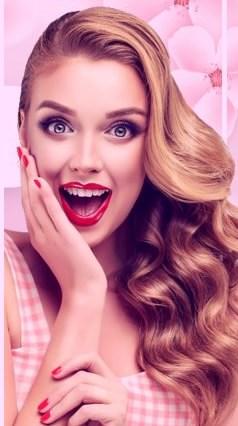 زیبایی و جوانزی زن جوان در حال خنده در مرکز زیبایی گیشا