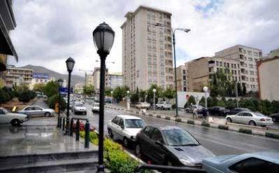 محله سعادت اباد عکس یکی از خیابان ها در روز بارانی